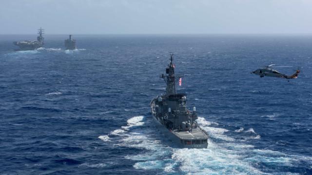 Aeronave da Marinha dos EUA despenhou-se no Mar do Japão