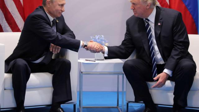 Chefes da diplomacia preparam primeira cimeira entre Trump e Putin