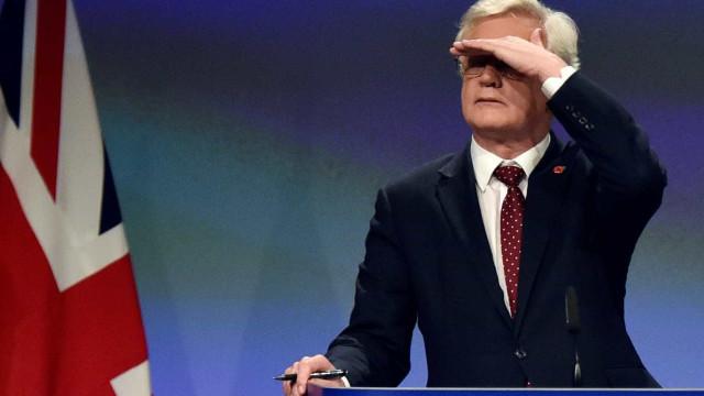 Evitar uma fronteira não implica criar outras, declara ministro britânico