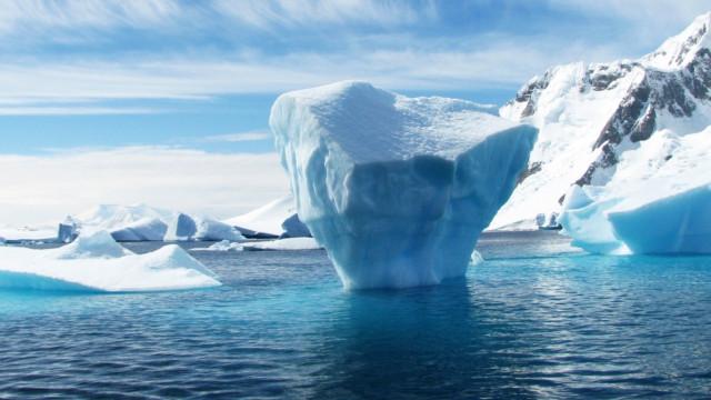 Icebergue de seis quilómetros soltou-se de glaciar na Gronelândia