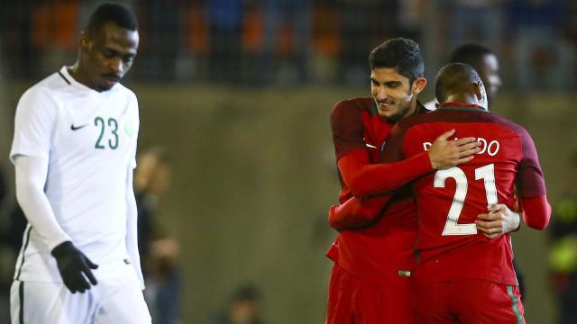 Portugal arrancou triunfo e Fernando Santos ganhou (boas) dores de cabeça