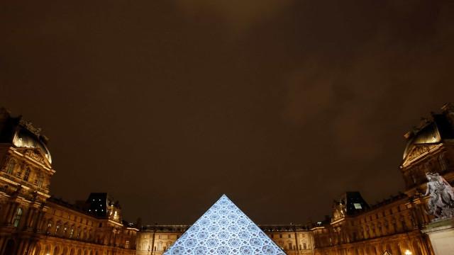 Museu do Louvre em Abu Dhabi abre hoje com mais de 600 obras