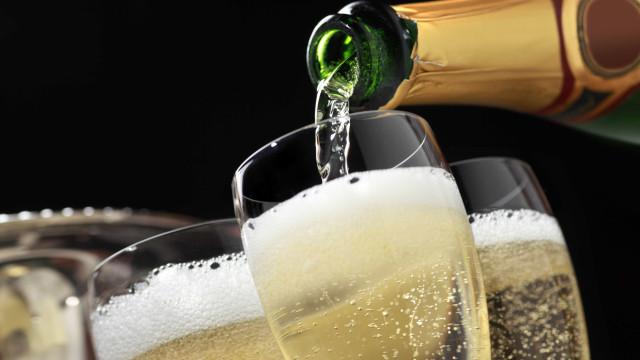 ASAE apreende em Águeda 4.500 garrafas de vinho espumante falsificado