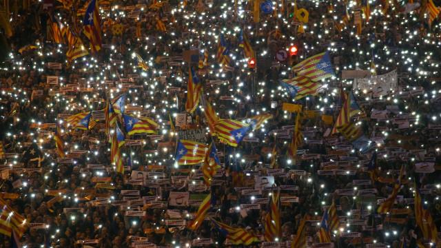 """Catalães voltam às ruas. """"É melhor que percebam que não estamos a fingir"""""""