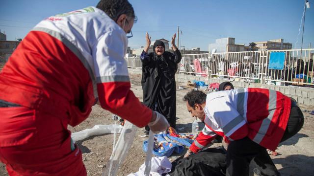 Sismo na fronteira do Irão e Iraque já fez mais de 400 mortos
