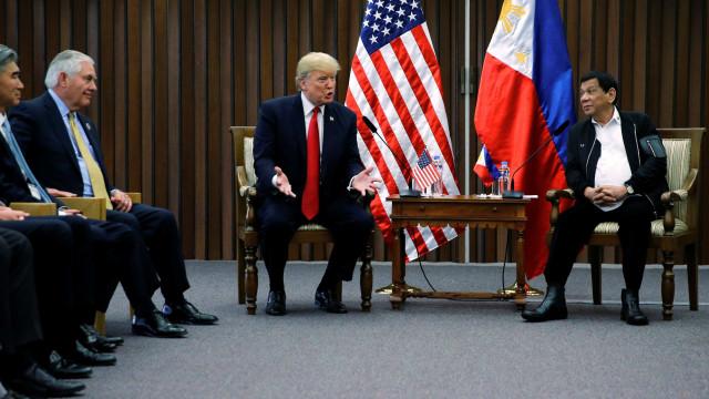 Nas Filipinas, Trump evitou falar sobre campanha antidrogas de Duterte