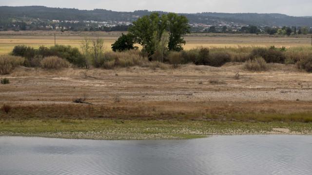 Governo vai negociar com Espanha medição de caudais do Tejo ao dia