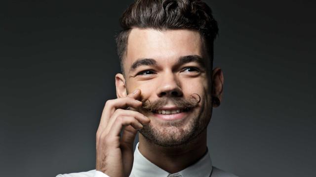Onde 'dar o bigode ao manifesto' em Portugal