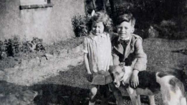 Descoberto mistério de quem deixa flores em campa de criança há 70 anos