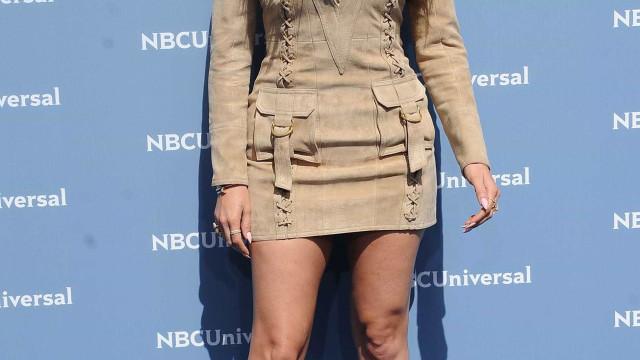 Esconder a gravidez? Khloé Kardashian aposta em look largo