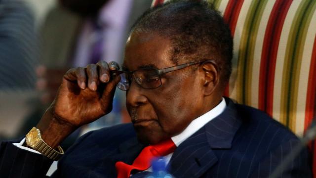 Mugabe afastado da liderança do partido