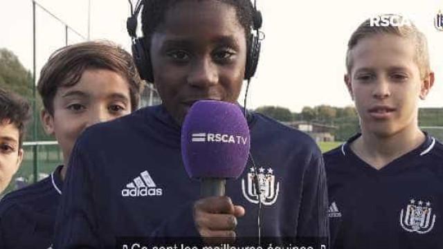 'Miúdos' do Anderlecht cantam hino da Champions e o resultado foi este