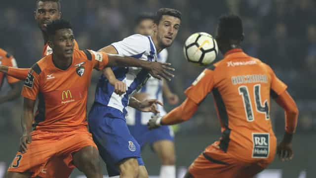 'Jogo de loucos' acaba com reviravolta e triunfo do FC Porto