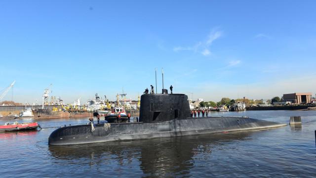 Buscas por submarino com 44 pessoas a bordo continuam sem sucesso