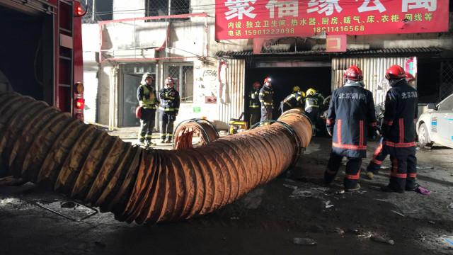 Incêndio nos subúrbios de Pequim causa 19 mortos e oito feridos