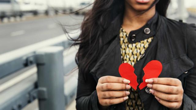Coração partido existe e deixa marcas para toda a vida, diz estudo