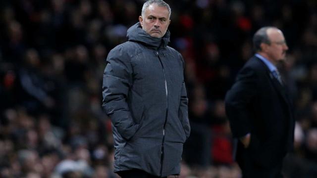 O plano do United para segurar Mourinho: Salário milionário e reforços