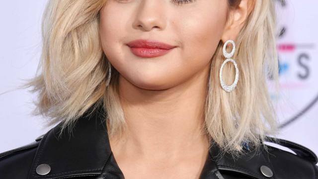 O mundo do entretenimento girou à volta do novo cabelo de Selena Gomez
