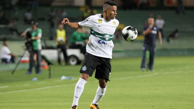Benfica estuda contratação de Dodô a custo zero