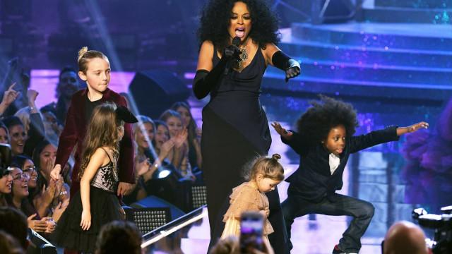 Diana Ross cantou ao lado dos netos. E o momento foi único