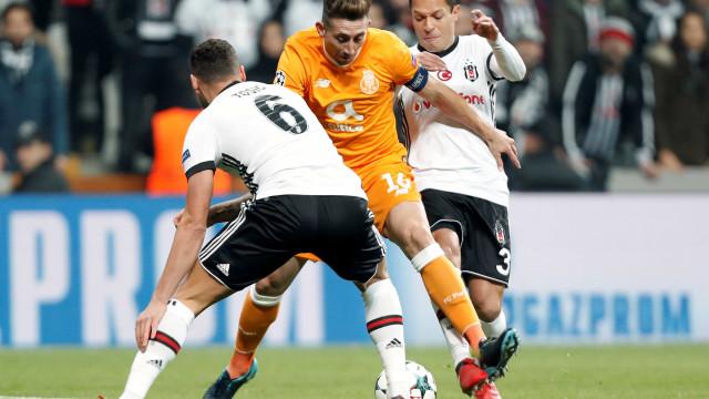 Nada decidido na Turquia. FC Porto empata e adia qualificação