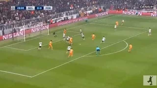 Felipe foi à grande área abrir o marcador do Besiktas-FC Porto