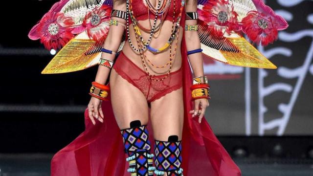 """Alessandra Ambrosio sobre último desfile: """"Foi tão emocionante"""""""
