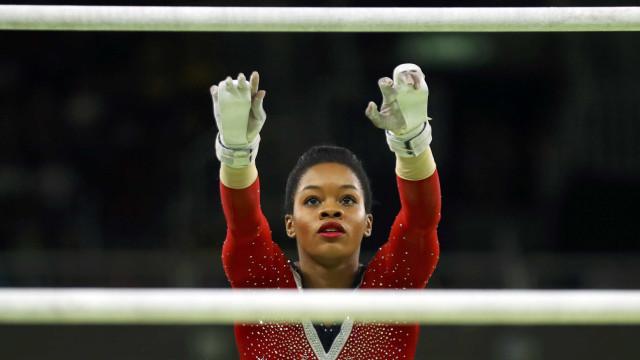 Ginasta olímpica dos Estados Unidos acusa antigo médico de abusos