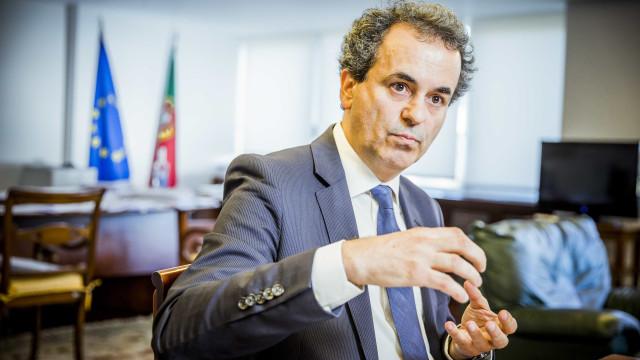 Governo admite rever atrativos para colocar médicos no Algarve