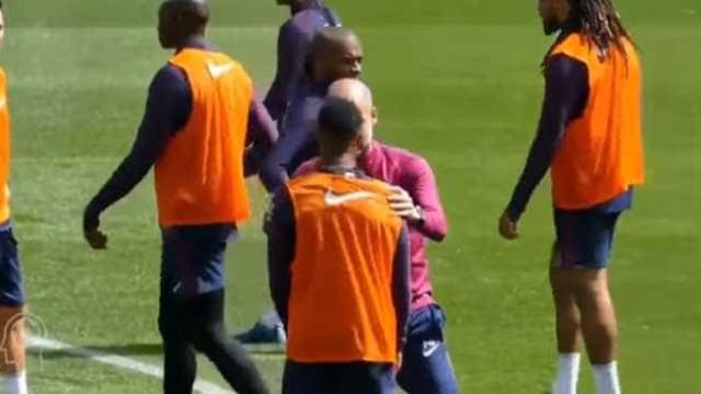 Do treino para o jogo: Como Guardiola 'criou' o golo de Sterling