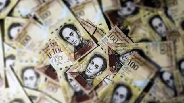 Governo venezuelano aumenta valor da cotação de moeda estrangeira