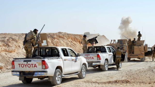 Iraque lança derradeira ofensiva no deserto para eliminar Estado Islâmico