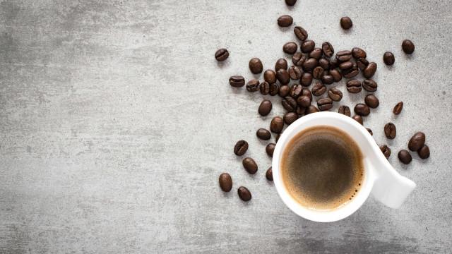 Após reverem 200 estudos, cientistas revelam verdadeiro efeito do café
