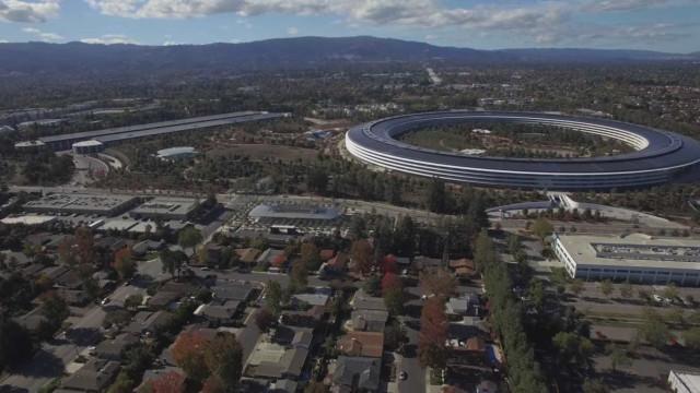 Veja a 'nave espacial' da Apple a preparar-se para a hora de almoço