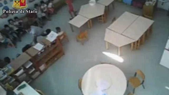 Educadoras batem e humilham crianças. Vídeo levou-as à prisão