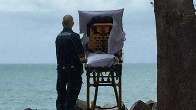 Paramédicos interrompem viagem para mostrar o mar a doente terminal