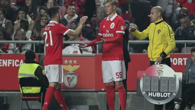 Benfica renova contrato com Keaton Parks