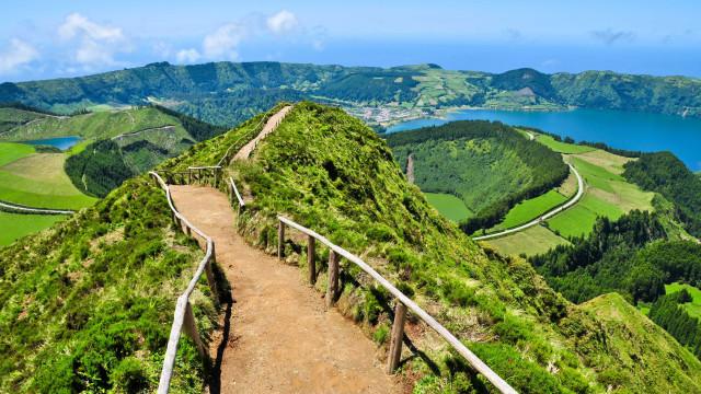 Há dois destinos portugueses entre os 'obrigatórios' de 2018