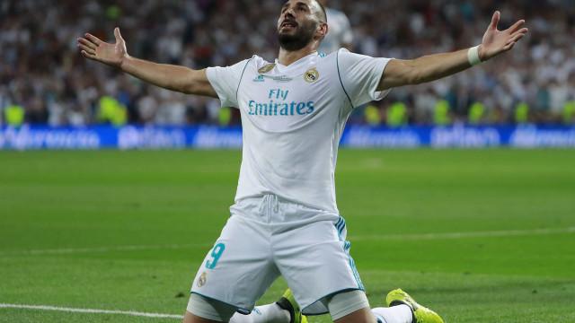 Arsenal terá feito proposta 'embaraçosa' por Benzema
