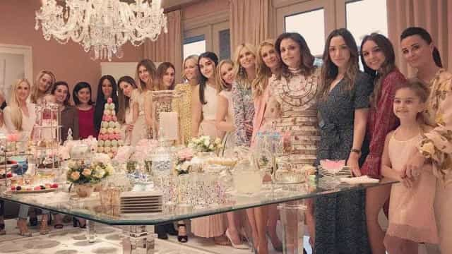 Paris e Kathy Hilton organizam baby shower