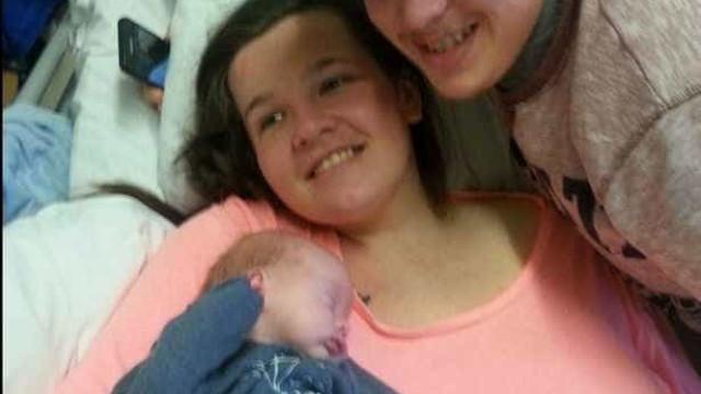 Entrou em coma depois do parto. Quando acordou, achava que tinha 13 anos