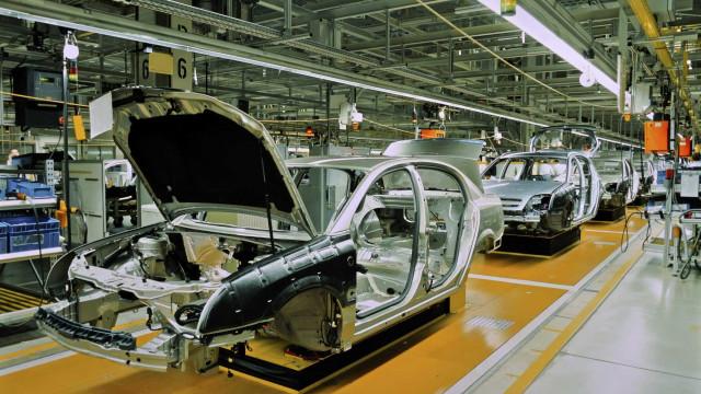 Produção automóvel em Portugal cresceu 22,7% em 2017