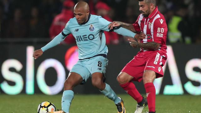 Dragão sem chama escorrega nas Aves antes da receção ao Benfica