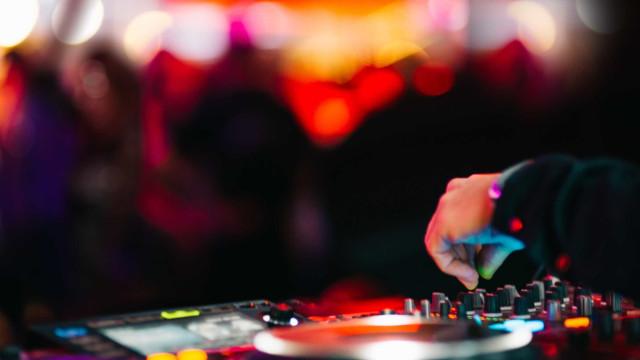 Pista de dança de discoteca cedeu. Acidente fere 22 pessoas
