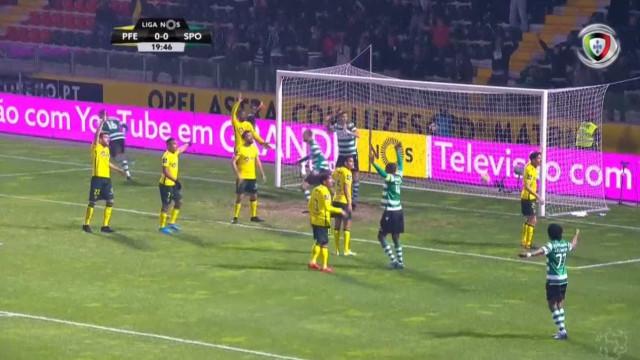 VAR valida polémico golo ao Sporting na Capital do Móvel
