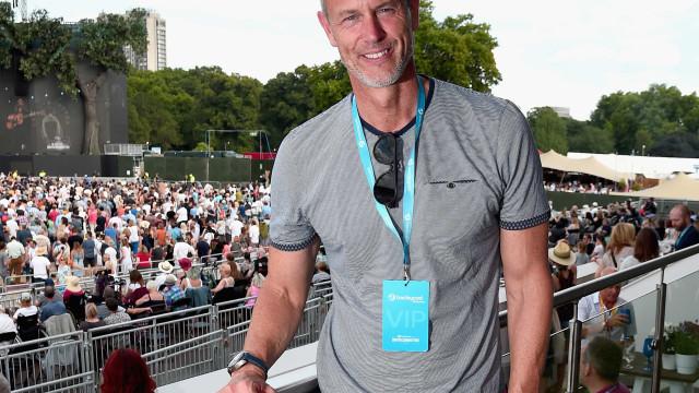 Ex-nadador olímpico Mark Foster assume homossexualidade