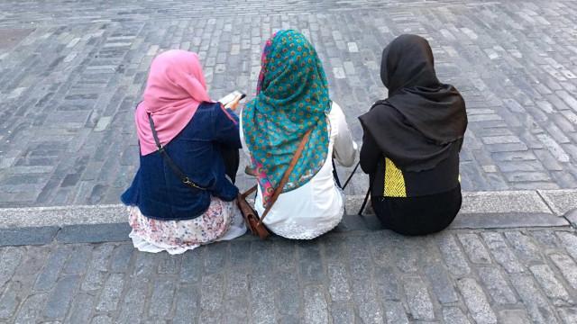 O mercado em Cabul onde meninas e adolescentes são vendidas como esposas