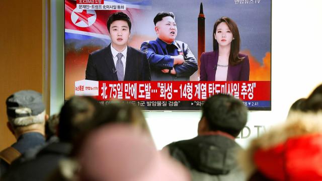 Tudo o que se sabe sobre o (novo) míssil lançado pela Coreia do Norte