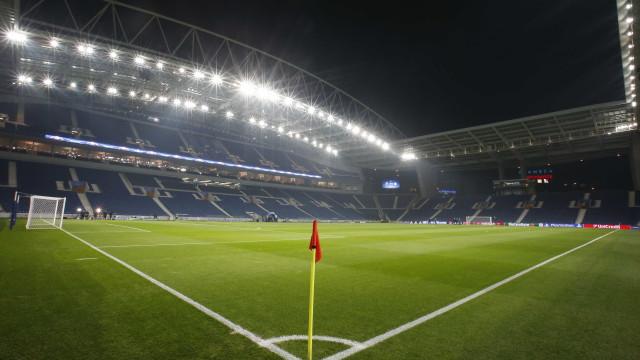 FC Porto começa defesa do título com Dragão lotado