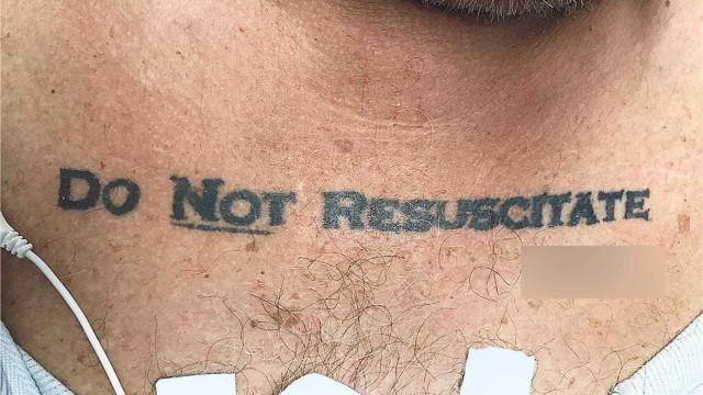 """""""Não ressuscitar"""". A tatuagem que criou um problema ético aos médicos"""